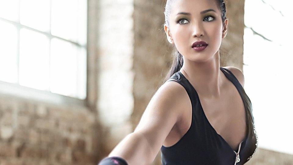 姿勢改善、女性、ダイエット